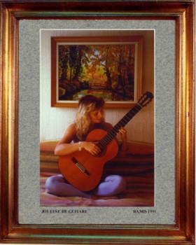 1991 Joueuse de guitare sur le site d'ARTactif